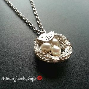 Birds Nest Pearl Necklace